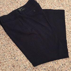 Women's NWT Navy Blue pants 14P Larry Levine